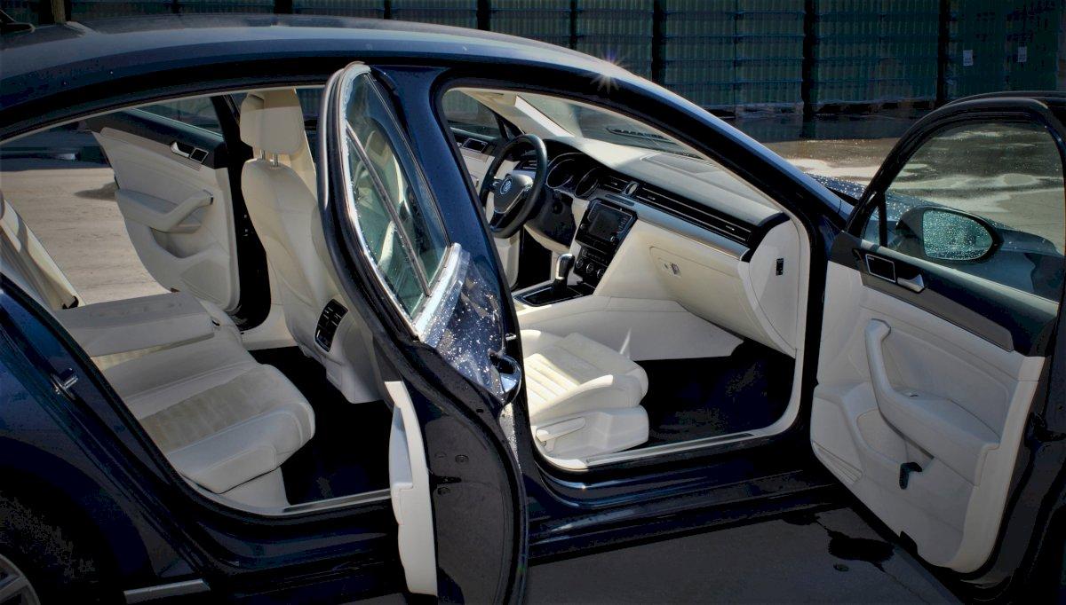 ADJUDECAT Autoturism Volkswagen Passat (2015) - Reluare Licitatie